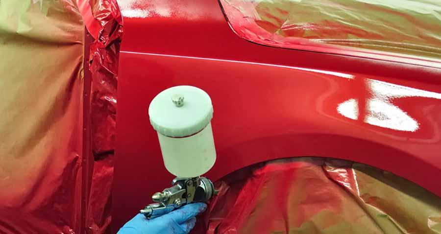 pintar un  coche rojo con vinilo a pistola